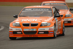 Colin Turkington leads Stephen Jelley