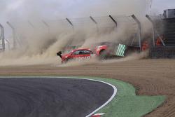 Mathias Lauda, Mücke Motorsport AMG Mercedes C-Klasse crashes