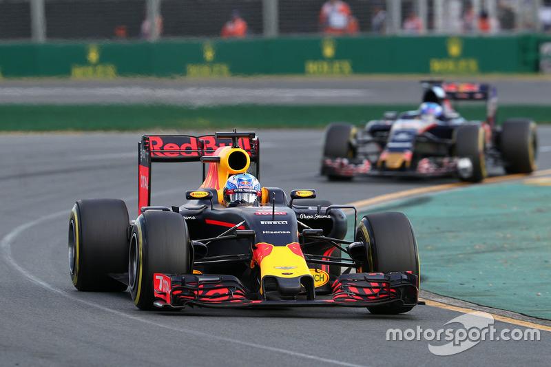 Daniel Ricciardo, Red Bull Racing RB12 and Max Verstappen, Scuderia Toro Rosso STR11