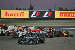 Start action: Nico Rosberg, Mercedes AMG F1 Team W07, Valtteri Bottas, Williams FW38 and Lewis Hamilton, Mercedes AMG F1 Team W07