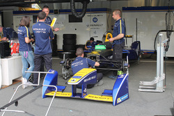 Renault e.Dams garage atmosphere