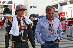 Carlos Sainz Jr., Scuderia Toro Rosso with his father Carlos Sainz