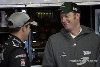 Casey Mears, Richard Childress Racing Chevrolet and Dale Earnhardt Jr., Hendrick Motorsports Chevrolet