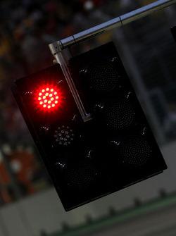 Red flag, Red light