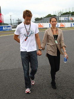 Jenson Button, Brawn GP with Jessica Michibata, girlfriend of Jenson Button
