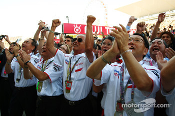 Toyota VIPS celebrate second place