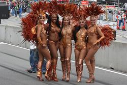 Charming samba dancers