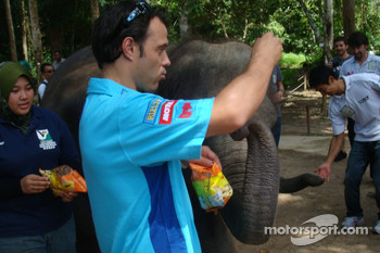 Loris Capirossi, Rizla Suzuki MotoGP and an elephant