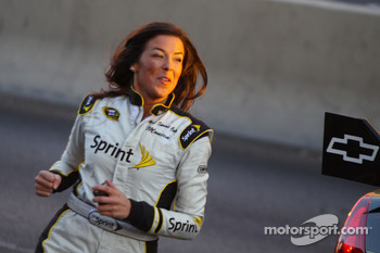 Top 12 victory lap parade: Miss Sprint Cups Monica Palumbo