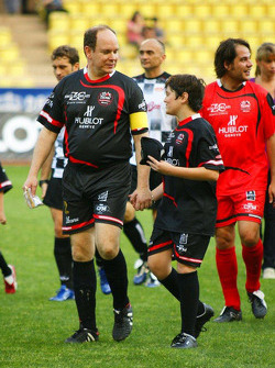 Star Team vs Nazionale Piloti, Charity Football Match, Monaco, Stade Louis II: Gerhard Berger