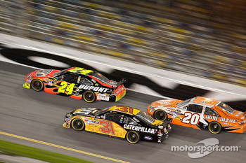 Jeff Gordon, Hendrick Motorsports Chevrolet, Jeff Burton, Richard Childress Racing Chevrolet, Joey Logano, Joe Gibbs Racing Toyota