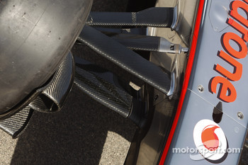McLaren front suspension