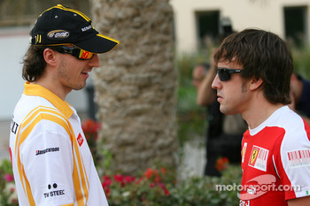 Robert Kubica, Renault F1 Team and Fernando Alonso, Scuderia Ferrari