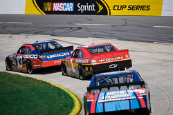 Max Papis, Germain Racing Toyota, Jamie McMurray, Earnhardt Ganassi Racing Chevrolet, Mike Bliss, Tommy Baldwin Racing Chevrolet
