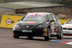 Tom Boardman Special Tuning UK leads Martin Johnson Team Boulevard Vauxhall Astra Coupe