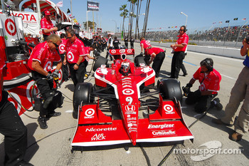 Scott Dixon, Target Chip Ganassi Racing in the pits