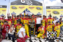 Victory lane: race winner Kevin Harvick, Richard Childress Racing Chevrolet celebrates with his team