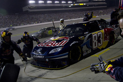NASCAR-CUP: Pit stop for Brian Vickers, Red Bull Racing Team Toyota