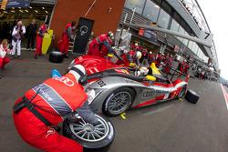 Pit stop for #7 Audi Sport Team Joest Audi R15 TDI: Rinaldo Capello, Tom Kristensen, Allan McNish