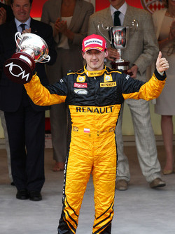 Podium: third place Robert Kubica, Renault F1 Team