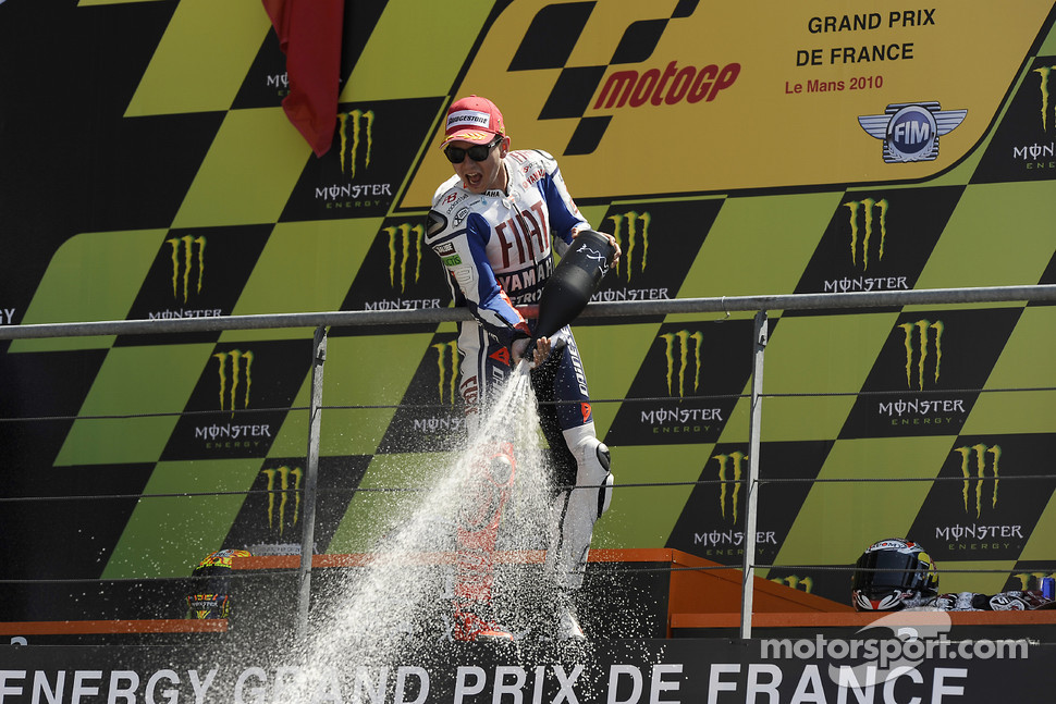 Podium: race winner Jorge Lorenzo, Fiat Yamaha Team celebrates