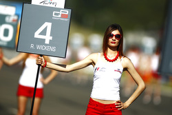 The grid girl of Robert Wickens