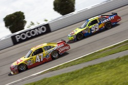 Marcos Ambrose, JTG Daugherty Racing Toyota and Carl Edwards, Roush Fenway Racing Ford