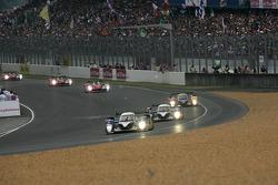 Pace lap: #3 Peugeot Sport Total Peugeot 908: Sébastien Bourdais, Pedro Lamy, Simon Pagenaud leads the field