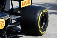 Formula 1 Foto - 2017 Pirelli tyre detail
