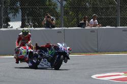 Andrea Iannone, Ducati Team, Jorge Lorenzo, Yamaha Factory Racing crash