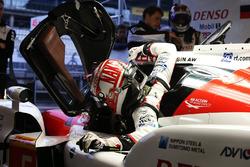 #5 Toyota Racing Toyota TS050 Hybrid: Kazuki Nakajima