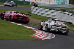 #33 Excellence Porsche Team KTR Porsche 911 GT3-R: Naoya Yamano, Tim Bergmeister
