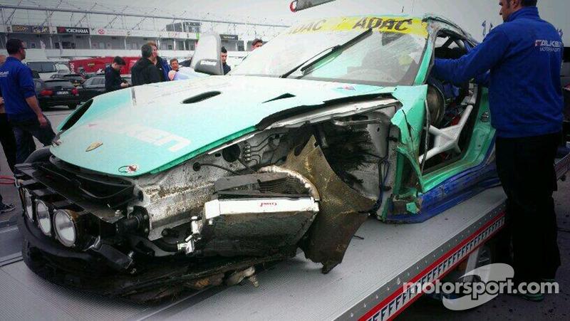 Porsche of Peter Dumbreck after a massive crash