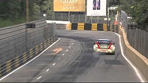 Bumping, sliding, a typical qualifying in Macau