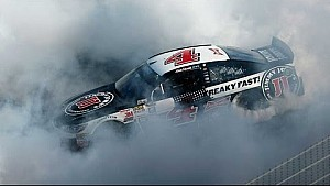 Harvick blazes through PIR on his western run