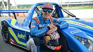 Maverick Viñales tests the Suzuki powered Radical SR3 (Full Version)