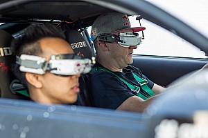 DCU Спеціальна можливість Унікальний експеримент синергії автомобіля та дрона!