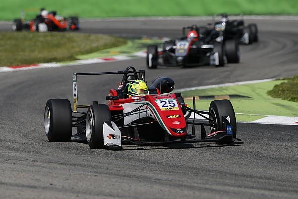 فورمولا 3 الأوروبيّة: شوماخر متفاجئ بمنصّة تتويجه الأولى المبكّرة في البطولة