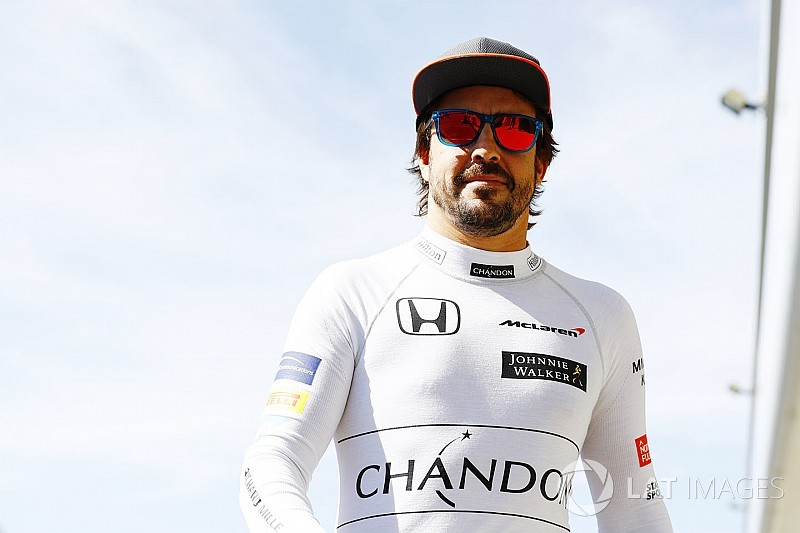 Alonso extends McLaren contract for 2018 season