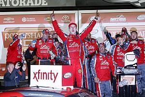 NASCAR XFINITY Reporte de la carrera Reed gana accidentada carrera en la primera fecha de Xfinity