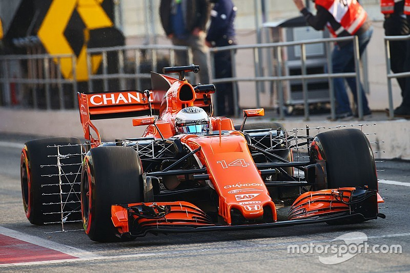 Barcelona F1 testing: McLaren delayed by Honda oil system issue