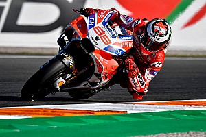 MotoGP Crónica de test Lorenzo domina en Valencia y Márquez suma su 26° caída del año