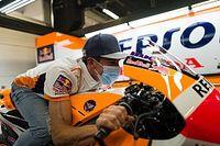 """Marquez torna nel paddock di MotoGP: """"Ma devo essere paziente"""""""