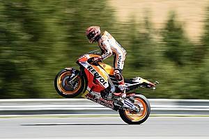 MotoGP Kwalificatieverslag Marquez voor Rossi in kwalificatie Grand Prix van Tsjechië