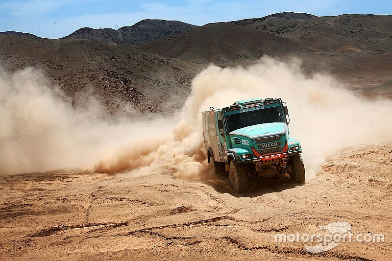 Dakar, Camion, Tappa 7: De Rooy rompe gli indugi, Nikolaev perde mezz'ora!