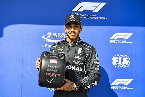 Hamilton grijpt pole in Hongarije, derde startplek Verstappen
