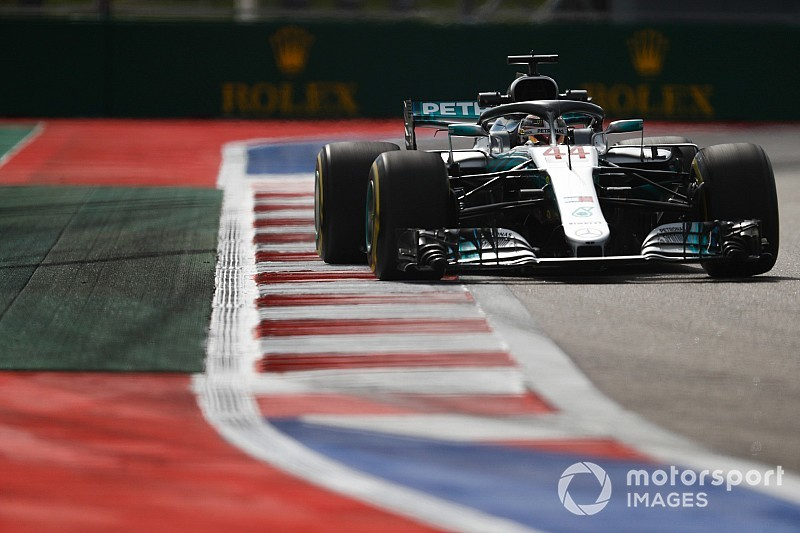 Hamilton motivé par le travail et les évolutions de Mercedes