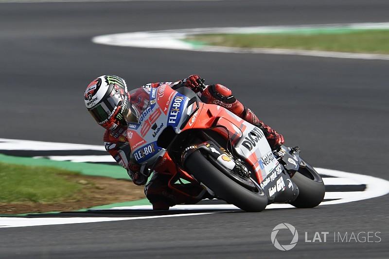 Meer hobbels op nieuw geasfalteerd Silverstone: MotoGP-rijders teleurgesteld