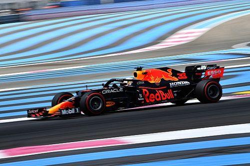 Verstappen es el más rápido del viernes, con Pérez fuera del Top 10