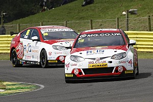BTCC Breaking news MG signs Smith and Lloyd for 2017 BTCC season